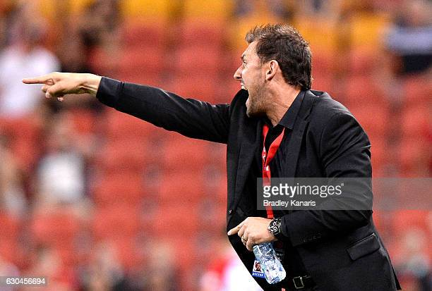 Coach Tony Popovic of the Wanderers screams out to his players during the round 22 ALeague match between Brisbane Roar and Western Sydney Wanderers...