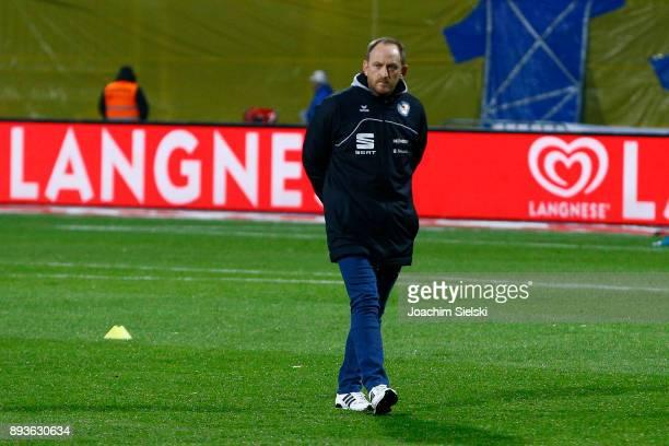 Coach Torsten Lieberknecht of Braunschweig before the Second Bundesliga match between Eintracht Braunschweig and Fortuna Duesseldorf at Eintracht...