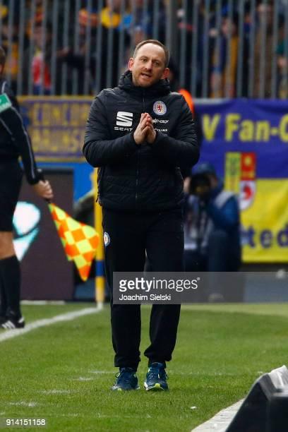 Coach Torsten Lieberknecht of Braunschweig during the Second Bundesliga match between Eintracht Braunschweig and 1 FC Kaiserslautern at Eintracht...