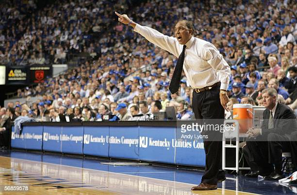 Coach Tubby Smith of the Kentucky Wildcats gives instructions to his team during action against the Georgia Bulldogs February 15,2006 at Rupp Arena...