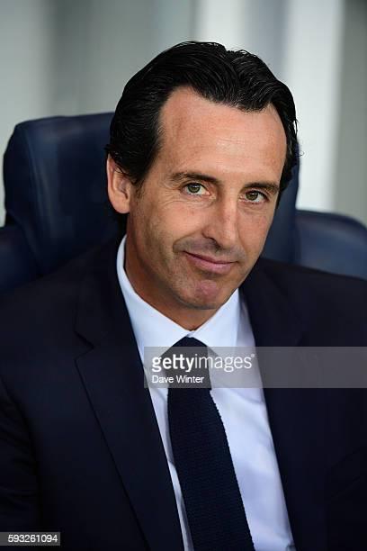 PSG coach Unai Emery during the Ligue 1 match between Paris Saint Germain PSG and Fc Metz at Parc des Princes on August 21 2016 in Paris France