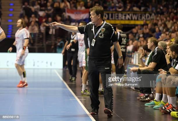 coach Velimir Petkovic of Fuechse Berlin during the DKB Handball Bundesliga game between Fuechse Berlin and dem MT Melsungen at Max Schmeling Halle...