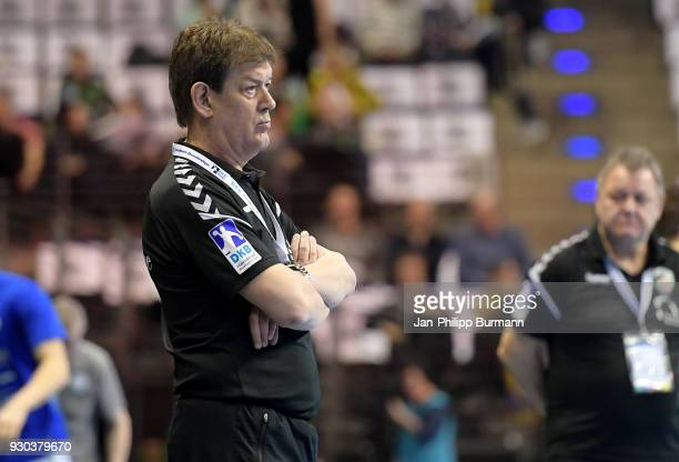 coach Velimir Petkovic of Fuechse Berlin during the Handball Bundesliga game between Fuechse Berlin and VfL Gummersbach at MaxSchmeling Halle on...