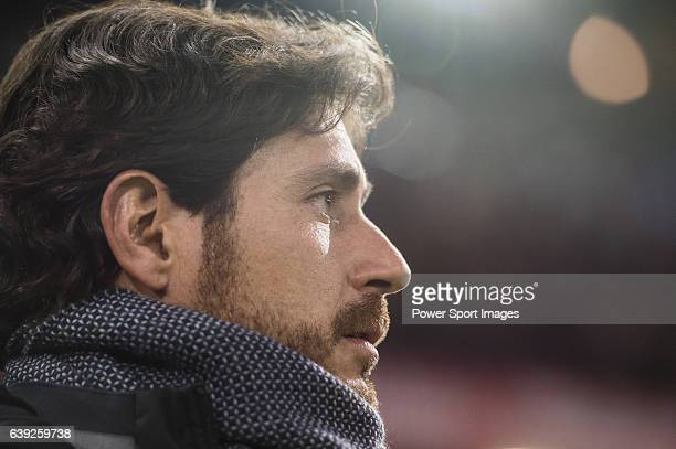 Coach Victor Sanchez del Amo of Real Betis Balompie looks on during their La Liga 201617 match between Atletico de Madrid vs Real Betis Balompie at...