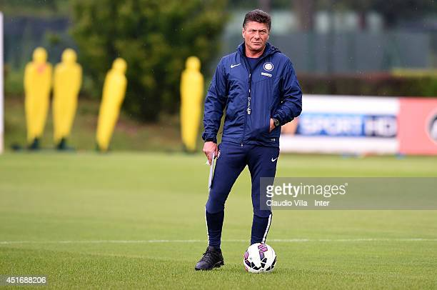 Coach Walter Mazzarri during an FC Internazionale training session at Appiano Gentile on July 4 2014 in Como Italy