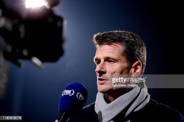 Coach Wim Jonk of FC Volendam during the Dutch Keuken Kampioen Divisie match between TOP Oss v FC Volendam at the Frans Heesen Stadium on November...