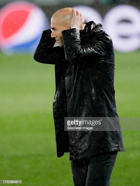 Coach Zinedine Zidane of Real Madrid during the UEFA Champions League match between Real Madrid v Chelsea at the Estadio Alfredo Di Stefano on April...