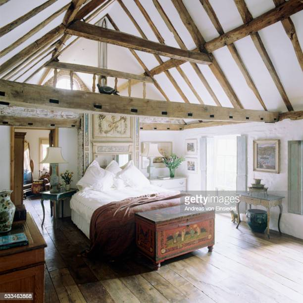 Coaching inn and stable conversion