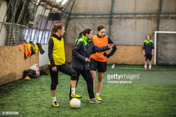 coaching soccer - coach stock pictures, royalty-free photos & images
