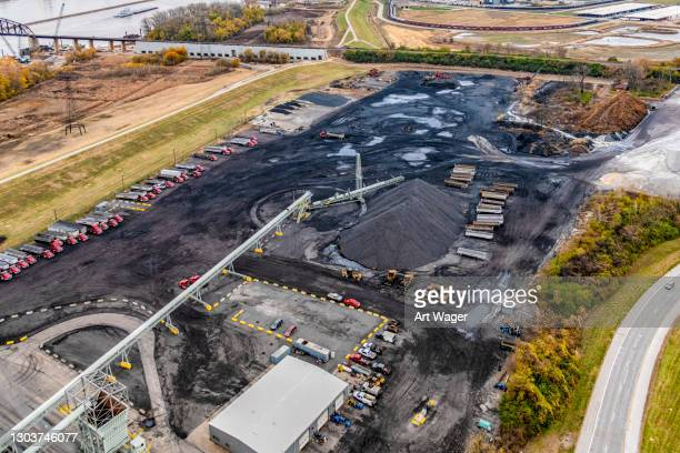 coal distribution facility aerial - illinois stock pictures, royalty-free photos & images