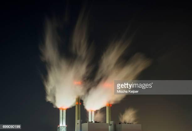 coal fired power station at night - carbon dioxide bildbanksfoton och bilder