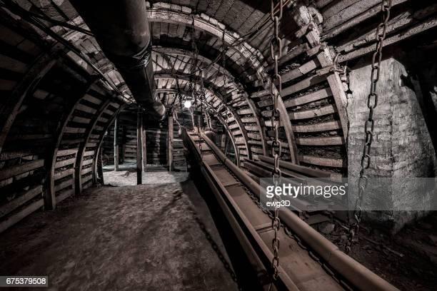 Coal mine underground corridor with conveyor system