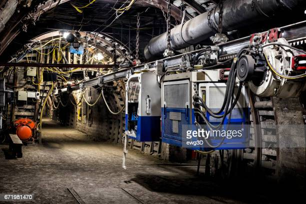 Coal mine underground corridor with overhead cable car system