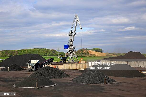 coal transshipment terminal, harbour of duisburg - ruhr stock pictures, royalty-free photos & images