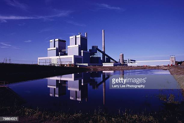 coal-fired power plant - coal fired power station stock pictures, royalty-free photos & images