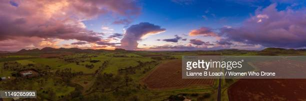 coalstoun sunset - lianne loach stock pictures, royalty-free photos & images