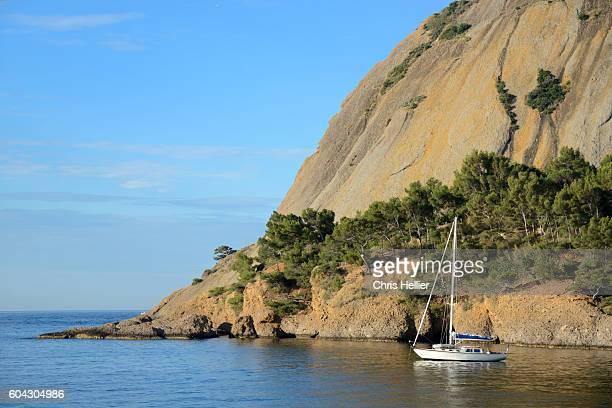 coast at la ciotat provence - ラシオタ ストックフォトと画像