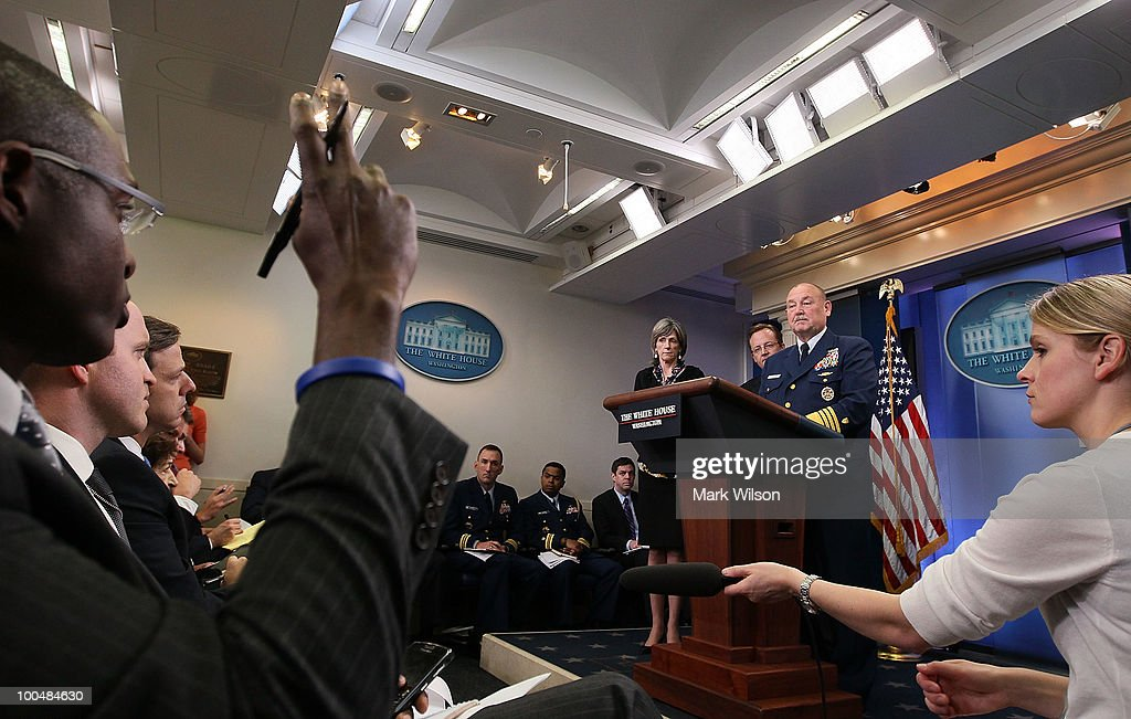 US Coast Guard Commandant Thad Allen (R) speaks while joined by Press Secretary Robert Gibbs (C) and White House energy czar Carol Browner (L), during a briefing at the White House on May 24, 2010 in Washington, DC. Commandant Allen and Secretary Gibbs briefed reporters on the current situation with the BP oil leak in the Gulf of Mexico caused the explosion and destruction of the oil rig Deepwater Horizon.