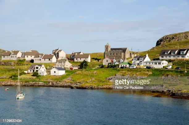 coast of lochboisdale, south uist, scotland - western isles stock pictures, royalty-free photos & images