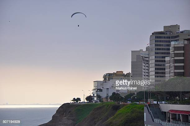 coast of miraflores in lima, peru - markus daniel stock pictures, royalty-free photos & images