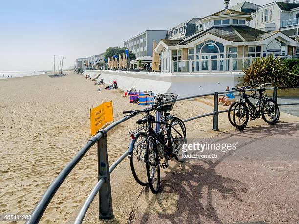 海岸沿いのパス - プール市 ストックフォトと画像