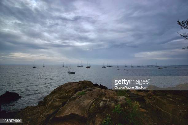 coast view at manor park in larchmont, ny - mamaroneck stock pictures, royalty-free photos & images