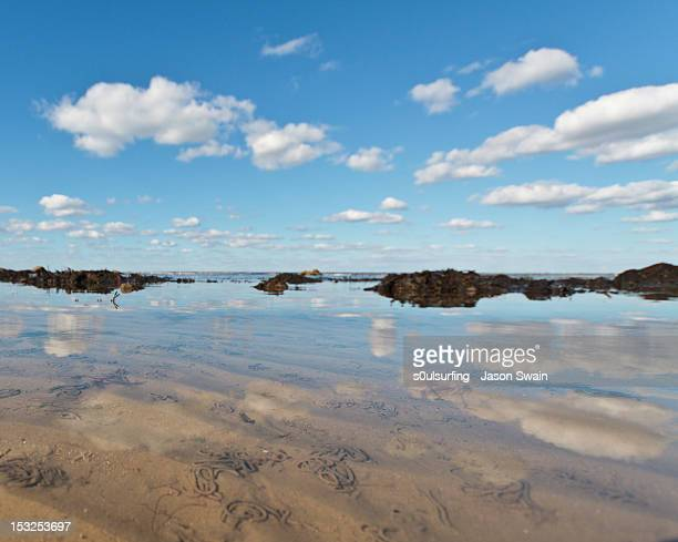 coastal cumulus reflections - s0ulsurfing stock pictures, royalty-free photos & images