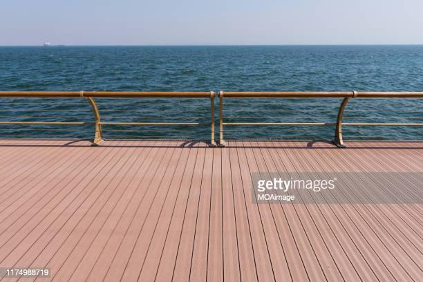 coastal deck,dalian,china - 船のデッキ ストックフォトと画像
