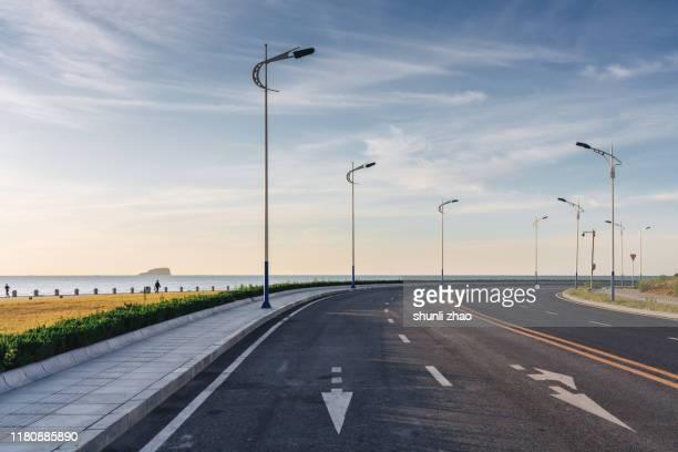 coastal highway - curved arrows - fotografias e filmes do acervo