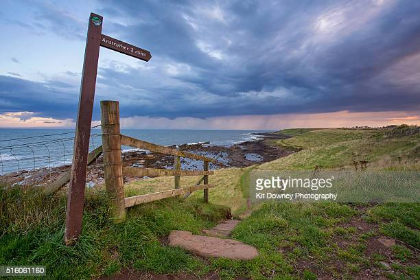 coastal path - fife scotland stock pictures, royalty-free photos & images