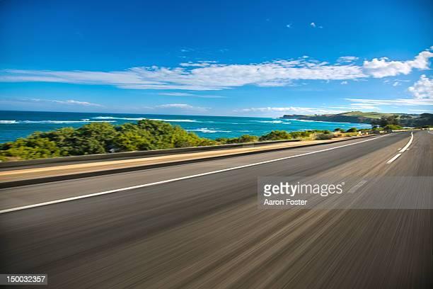 coastal road - 海岸線 ストックフォトと画像
