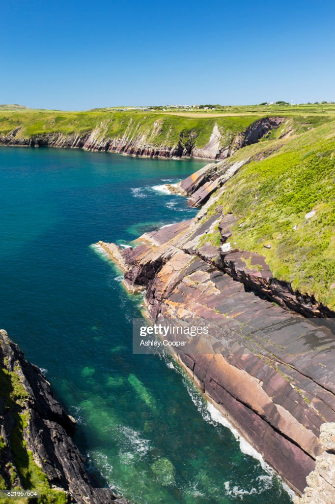 Coastal scenery between Solva and St Davids, Pemrokeshire, Wales, UK. : Stock Photo