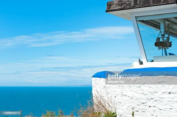 coastguard lookout post, st.alban's head, jurassic coast, dorset, england - lookout tower stock pictures, royalty-free photos & images
