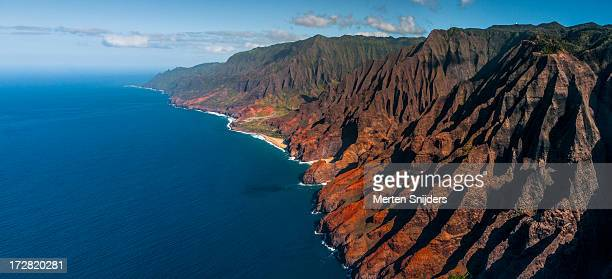 coastline and mountain inlets of napali coast - merten snijders stock pictures, royalty-free photos & images
