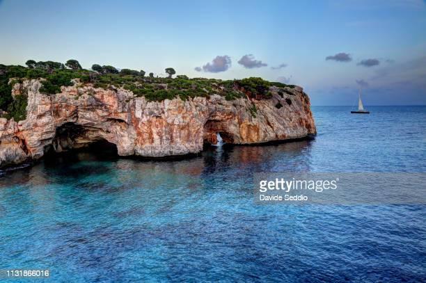 coastline landscape at cala varques - barranco fotografías e imágenes de stock