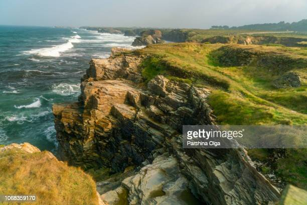 coastline of playa de las catedrales. north spain, galicia - galizia foto e immagini stock