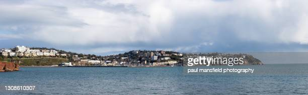 coastline of torquay - mansfield england stock pictures, royalty-free photos & images