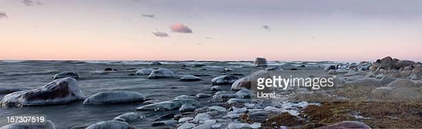 Coastline with icy stones (XXL)