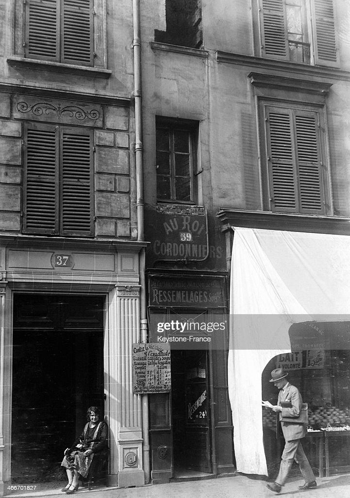 Terrific Cobbler Shop Au Roi Cordonniers In The Smallest Paris Download Free Architecture Designs Terstmadebymaigaardcom