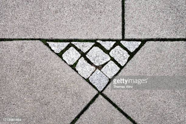 cobblestone pattern on sidewalk - makeshift stock pictures, royalty-free photos & images