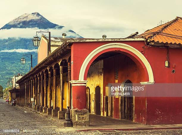 Calle de adoquines en Antigua Guatemala