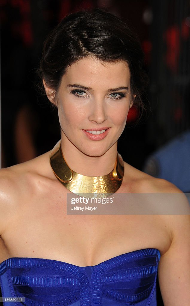 Cobie Smulders attends People's Choice Awards 2012 at Nokia Theatre LA Live on January 11, 2012 in Los Angeles, California.
