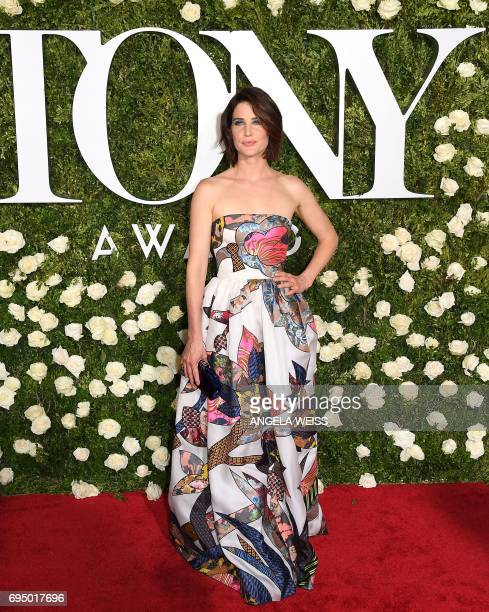 Cobie Smulders attends the 2017 Tony Awards Red Carpet at Radio City Music Hall on June 11 2017 in New York City / AFP PHOTO / ANGELA WEISS