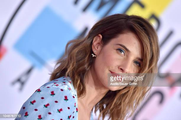Cobie Smulders attends the 2018 American Music Awards at Microsoft Theater on October 9, 2018 in Los Angeles, California.