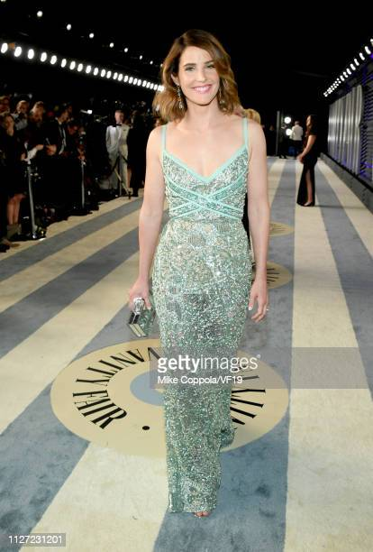Cobie Smulders attends the 2019 Vanity Fair Oscar Party hosted by Radhika Jones at Wallis Annenberg Center for the Performing Arts on February 24...