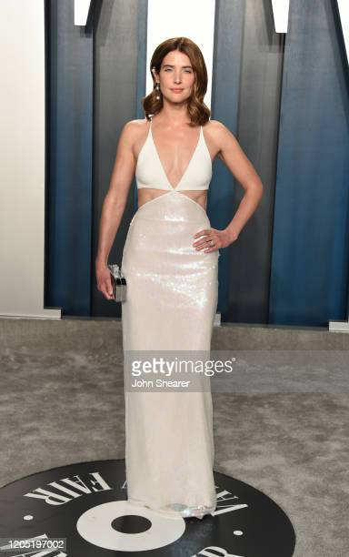 Cobie Smulders attends the 2020 Vanity Fair Oscar Party hosted by Radhika Jones at Wallis Annenberg Center for the Performing Arts on February 09,...