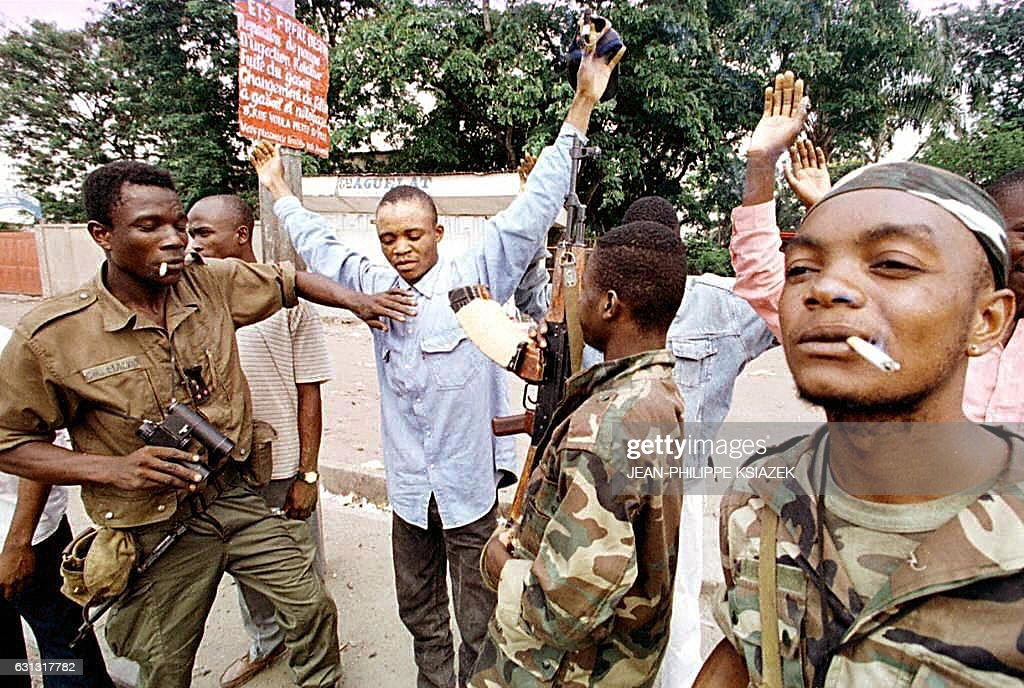 CONGO-BRAZZAVILLE-FIGHTING-COBRAS : News Photo