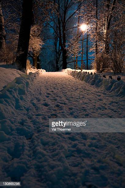 coburg by night, in winter, bavaria, germany, europe - val thoermer stock-fotos und bilder