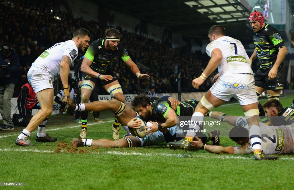 Cobus Reinach of Northampton Saints scoring a tryduring the European Rugby Champions Cup match between Northampton Saints and ASM Clermont Auvergne at Franklin's Gardens on January 13, 2018 in Northampton, England.
