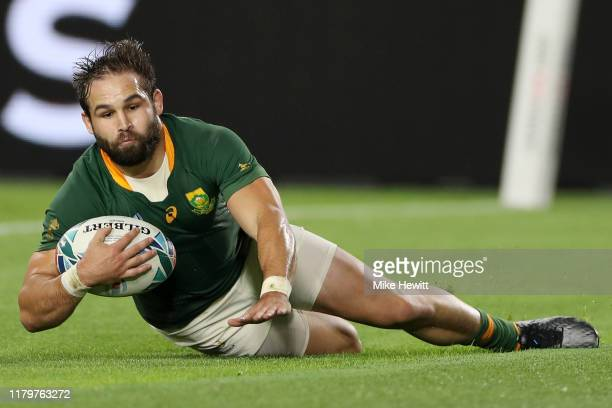 Cobus Reinach of South Africa scores his team's third try during the Rugby World Cup 2019 Group B game between South Africa and Canada at Kobe Misaki...